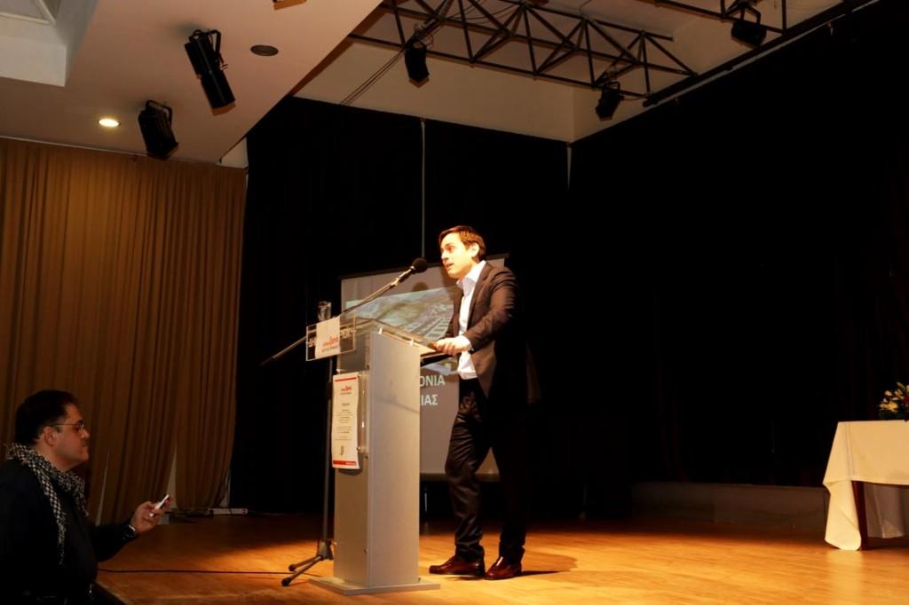 Ο Βαγγέλης Ντηνιακός στην ομιλία του